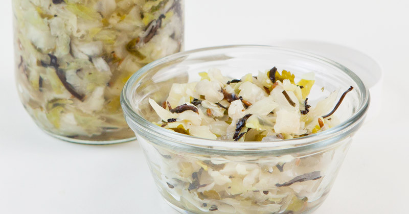 Homemade Sauerkraut - raw cultured veggie goodness | eatnakednow.com