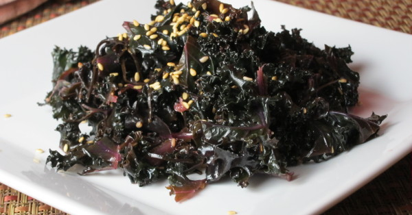 Naked Superfoods: Kale Arame Salad