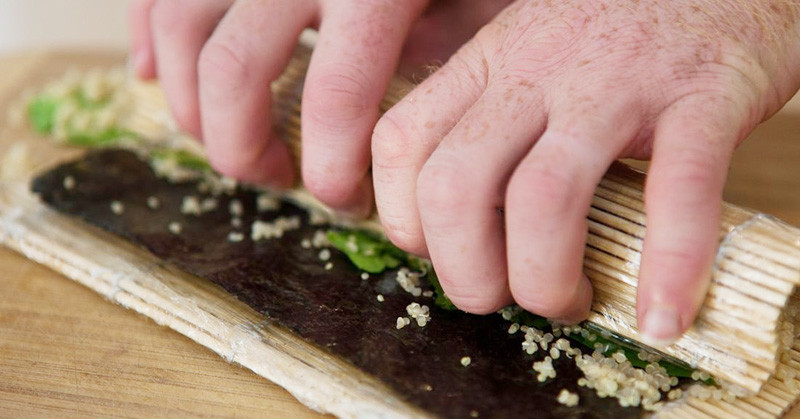 How to roll sushi | eatnakednow.com